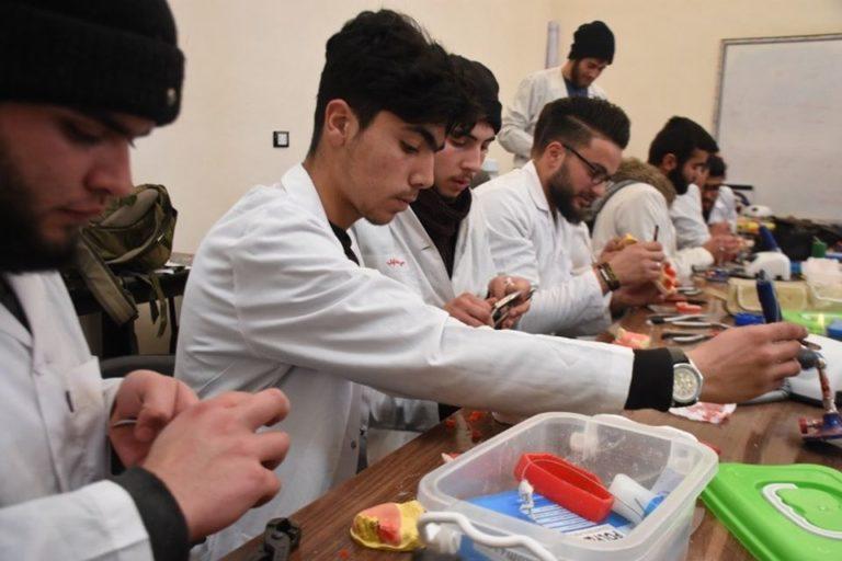 يستمر تمايز الطلاب بالعملية الامتحانية، راجين من الله التوفيق والنجاح للجميع.